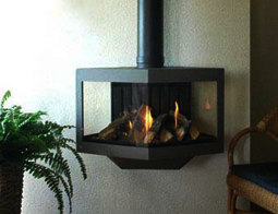 Een gaskachel heeft verschillende voordelen ten opzichte van een houtkachel